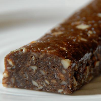 Choc-almond snack bar